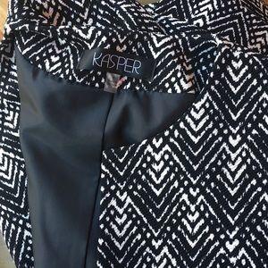 Kasper black & white blazer EUC size 8